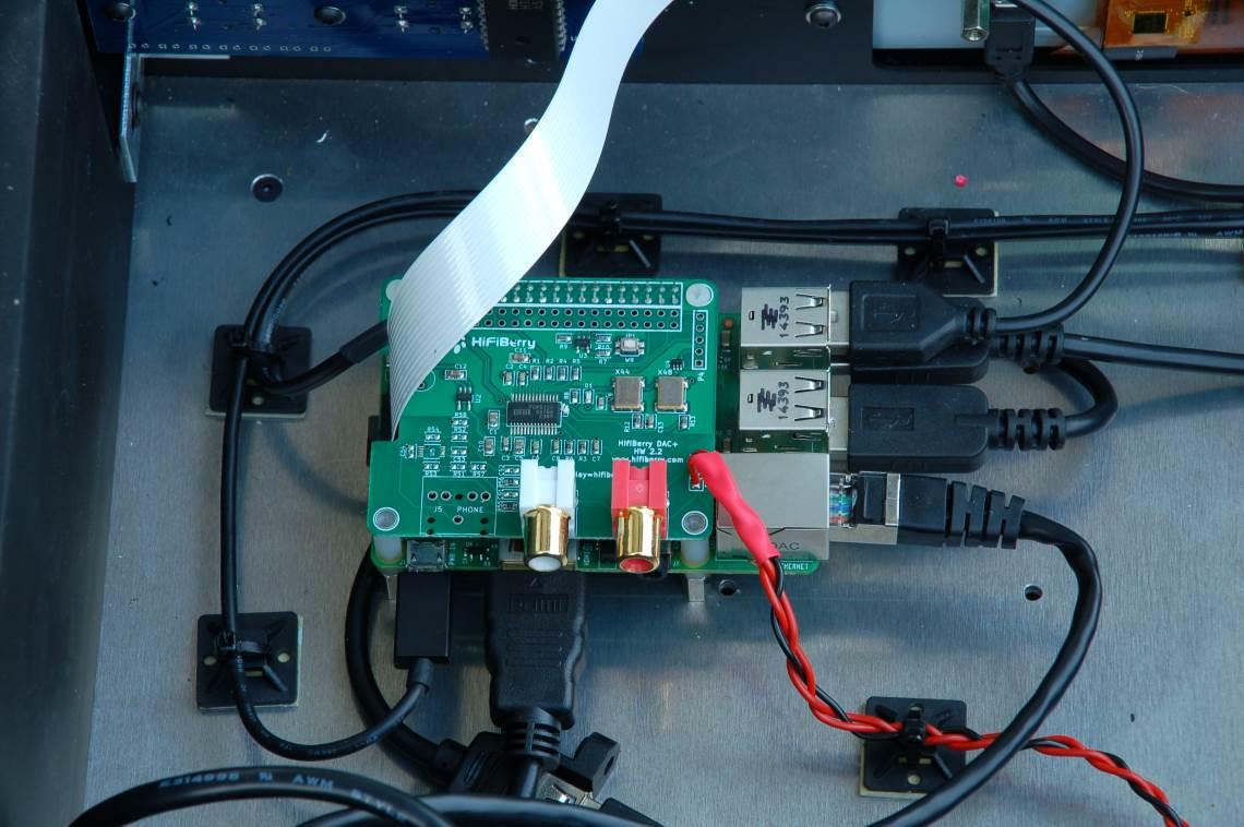 Weissbauer Community Projekt Ansicht Raspberry Pi 3 Model B mit HiFIBerry DAC+ Pro angeschlossen.